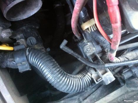 Что это за трубочка? | Форум владельцев Renault Megane: http://megane2.ru/forum/showthread.php?t=8511